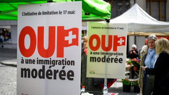 A proposta partiu da União Democrática do Centro, partido conservador que está no governo juntamente com partidos que vão da esquerda ecologista à direita conservadora