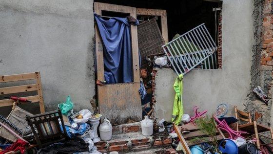 Os moradores sentem-se abandonados e esquecidos, apesar de estarem na freguesia de São Vicente, uma zona central situada perto do Bairro da Graça e de Santa Apolónia