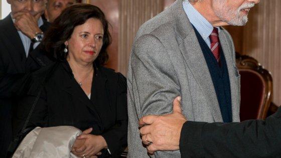 Guilhermina Freitas (em segundo plano) foi eleita com maioria absoluta à primeira volta nas eleições desta 2.ª feira