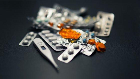 Medicamentos como omeprazol, pantoprazol, lansoprazol e similares fazem parte do grupo dos inibidores da IBP
