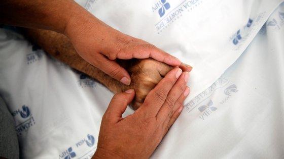 Segundo a associação, em Portugal 70% dos doentes ainda não têm acesso a cuidados paliativos e existem mais de 8 mil crianças e adolescentes e 89 mil pessoas adultas com necessidades paliativas
