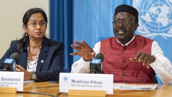 """A solução, consideraram os analistas, """"tem de envolver a cooperação fiscal internacional e medidas contra a corrupção"""","""