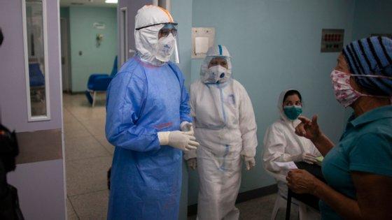 A Venezuela contabilizou, desde março, pelo menos 600 óbitos, dos quais um terço eram profissionais de saúde