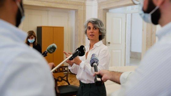 """""""Temos de nos pôr de alguma maneira de acordo para que a realidade mude a partir daqui"""", pediu Graça Fonseca"""