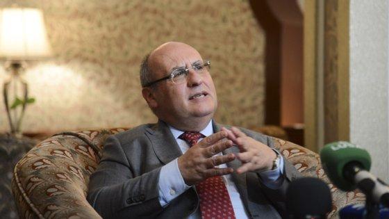 """António Vitorino considera que a proposta de pacto migratório da Comissão Europeia é """"um bom ponto de partida"""" para negociações, mas não resolve as divisões dentro da União Europeia."""