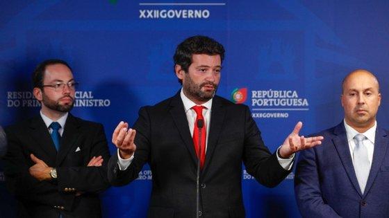 O deputado do Chega, André Ventura, não esteve presente na reunião, uma ausência que foi criticada pelos deputados