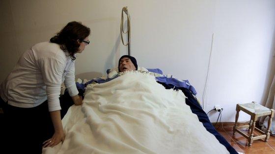Outro inquérito da Sociedade Portuguesa do AVC mostrou que de 32 hospitais portugueses metade viu o número de doentes com AVC reduzir entre 25% e 50%