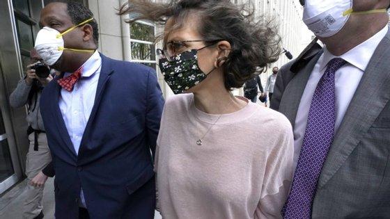 Clare Bronfman à chegada ao tribunal