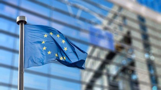 Embora concordasse com as sanções, Chipre estava a bloquear a sua aplicação por exigir medidas semelhantes contra a Turquia