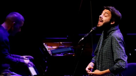 O cantor Salvador Sobral apresenta-se na Casa da Música no dia 22