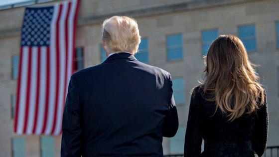 Foi o próprio Donald Trump que anunciou no Twitter que ele e a mulher tinham testado positivo para o SARS-CoV-2