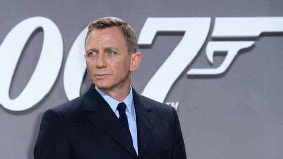 O ator Daniel Craig protagoniza o novo filme de James Bond