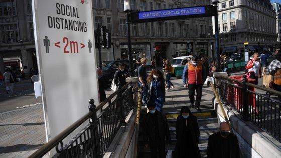 No domingo tinham sido registados 22.961 novos casos e 33 mortes