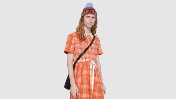 Desde que assumiu o cargo de diretor criativo da Gucci em 2015, Alessandro Michele impulsionou a tendência sem género dentro da marca italiana