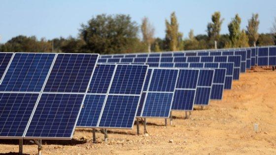 """""""Toda a Península Ibérica apresenta condições excecionais de irradiação solar, pelo que todas as regiões de Portugal e Espanha representam excelentes localizações potenciais para o desenvolvimento fotovoltaico"""""""