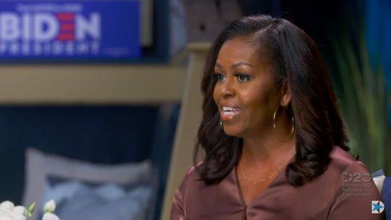 """""""Apenas numa pequena parte das manifestações houve violência"""", afirmou a ex-primeira-dama, numa mensagem vídeo em que apela aos norte-americanos para se mobilizarem em torno do candidato democrata Joe Biden"""