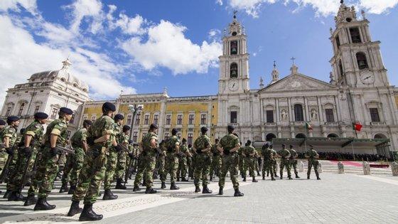 Desde março, quando começou a pandemia de Covid-19, as Forças Armadas contribuíram em várias áreas
