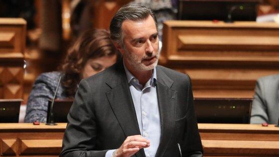 """No texto enviado para a residência de S. Bento afirma-se que o presidente do TdC, Vitor Caldeira, fez """"vários pedidos para ser recebido em audiência formal pelo primeiro-ministro, mas nunca obteve resposta"""""""