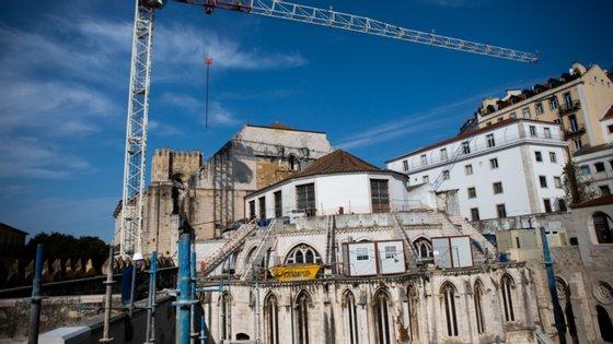 Alegada destruição de parte dos vestígios islâmicos medievais foi denunciada há poucas semanas pelo Sindicato dos Trabalhadores de Arqueologia
