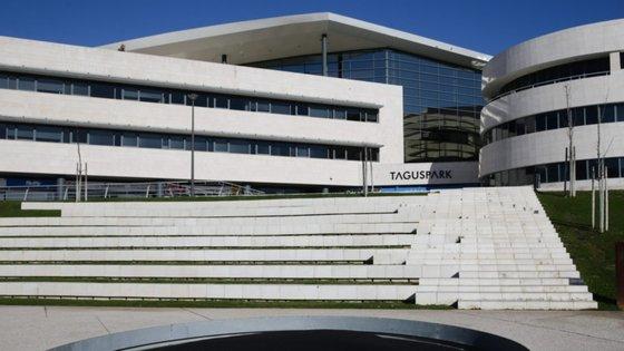 A multinacional de jogos 'online' já se encontrava instalada no parque de ciência e tecnologia localizado em Oeiras desde 2010, em outro edifício