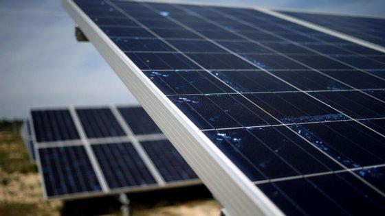 Novo desenho dos painéis solares consegue um aumento de 125 por cento na absorção