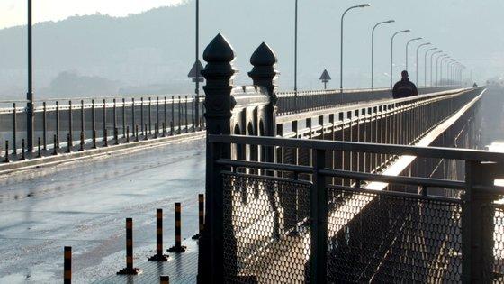 A ponte Eiffel sobre o rio Lima, com 142 anos, entrou, em 2019, em processo de classificação como imóvel de interesse nacional
