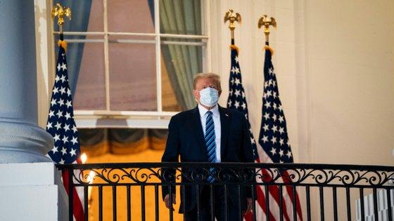 Trump esteve internado no hospital Walter Reed.