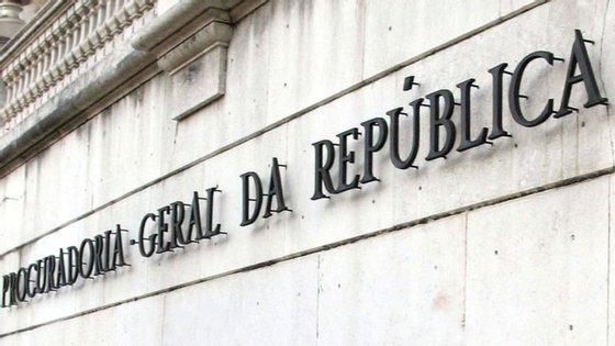 Os casos já comunicados ao Ministério Público são referentes aos trabalhadores que iniciaram funções entre 1999 e 2016