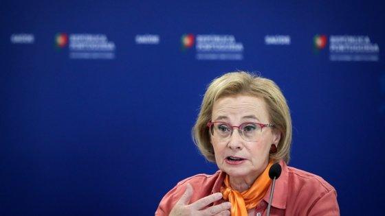 A diretora-geral da Saúde explicou que o acompanhante do parto deve estar com equipamento de proteção individual adequado