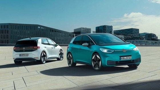 O novo VW ID.3 assumiu a 3ª posição na tabela de vendas, entre os 100% eléctricos, no seu primeiro mês completo de comercialização na Alemanha