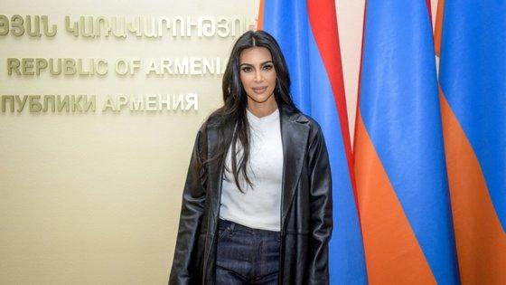 Kim Kardashian visitou Gyumri, a segunda maior cidade da Arménia, de onde a sua família é originária, em 2015
