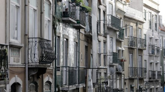Dezasseis em cada 100 senhorios dizem mesmo ter ficado nos últimos meses sem 75% a 100% do rendimento habitual garantido pelo arrendamento