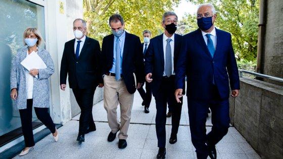 Manuel Heitor (ao centro) com o primeiro-ministro no Porto, a 1 de setembro, durante a apresentação da App Stayaway Covid
