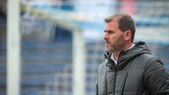 João Henriques estreou-se a treinador principal na época 2004/05, no Atlético Riachense, da então III Divisão