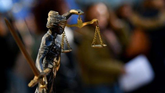 O ministro da Justiça defende que é preciso reforçar o combate ao crime organizado