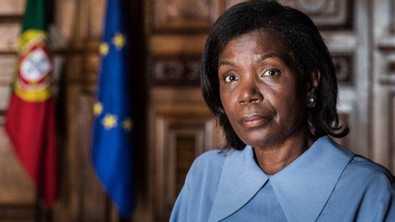 """""""Eu não nomeio o presidente do Tribunal de Contas, nem sou ouvida nessa matéria"""", disse Francisca van Dunem"""