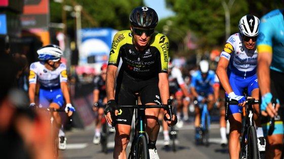 Lucas Hamilton era um dos ciclistas da Mitchelton-Scott que ainda estava em prova