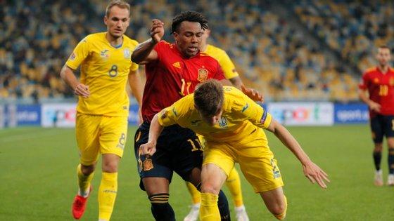 O jogador do Wolverhampton foi titular pela primeira vez na seleção espanhola
