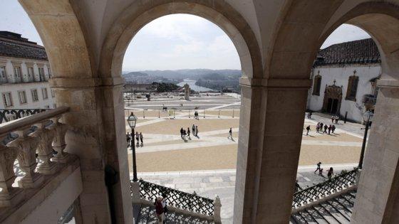 """O Conselho de Veteranos da Universidade de Coimbra salientou que """"o crescente número de casos [de Covid-19] dos últimos dias"""" preocupa a entidade"""