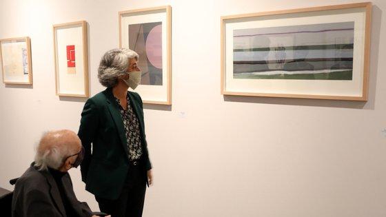 """A condecoração aconteceu numa das salas da exposição """"O Tempo das Imagens III"""", patente na Biblioteca Nacional de Portugal, em Lisboa"""