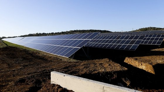 Em julho de 2018, a Câmara de Lisboa estimava ter uma central fotovoltaica a funcionar em Carnide em 2020