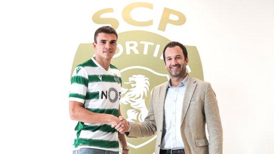 Palhinha com Frederico Varandas, presidente do Sporting, depois da renovação de contrato com o clube onde chegou como júnior em 2013
