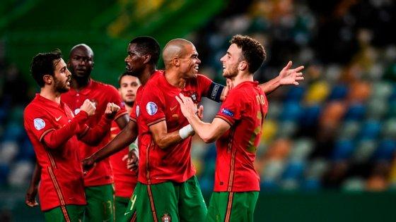 O avançado do Liverpool marcou um golo na primeira parte e outro na segunda