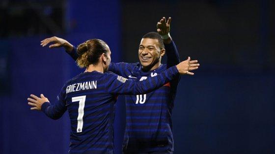 Griezmann e Mbappé voltaram a ser uma dor de cabeça para a defesa croata, num remake da final do último Mundial de 2018