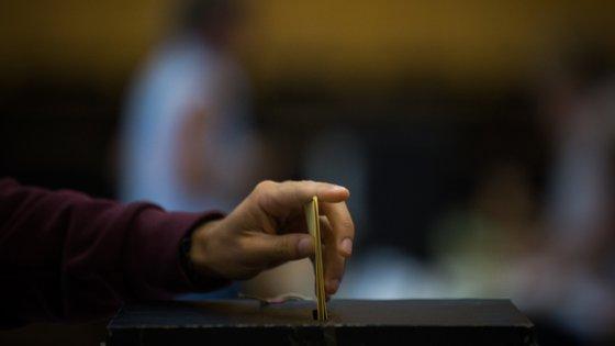 O partido refere que pode não ser possível a implementação de um desejável mecanismo de voto eletrónico