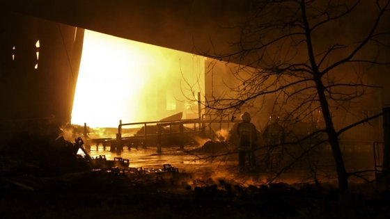 No local estiveram várias corporações de bombeiros do Montijo, Barreiro, Alcochete, Pinhal Novo.