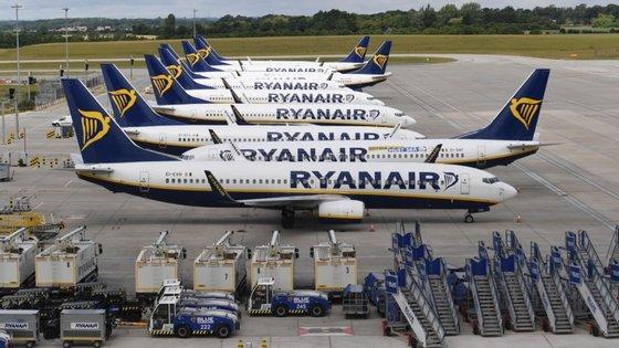"""O diretor-geral da Ryanair, Michael O'Leary, culpa a """"má gestão dos voos aéreos da União Europeia"""" para justificar esta redução nos seus planos de voo"""