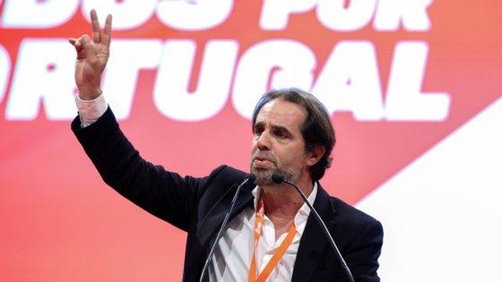 """Miguel Albuquerque critica, sobretudo, o PS/Madeira, o maior partido da oposição regional, afirmando estar """"em perfeito coma"""", """"sem programa"""" e com um """"líder fraquíssimo"""" (Paulo Cafôfo)"""