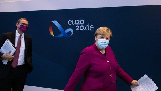 A chanceler alemã, Angela Merkel, anunciou na noite de quarta-feira a introdução de novas medidas mais restritivas, após uma reunião com responsáveis dos 16 estados regionais