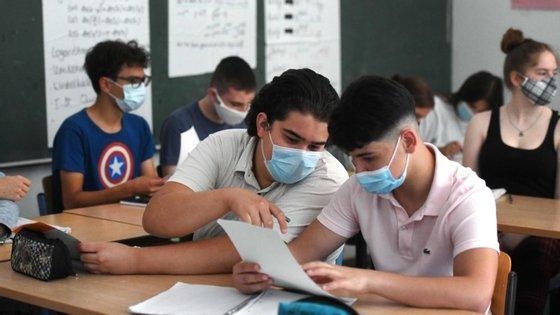 Consoante o estado, as escolas podem ter diferentes orientações para o uso de máscaras